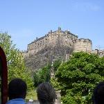edinburgh castle Book Car Hire Edinburgh Airport with Easirent.com